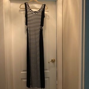 Aqua maxi dress black and white size S